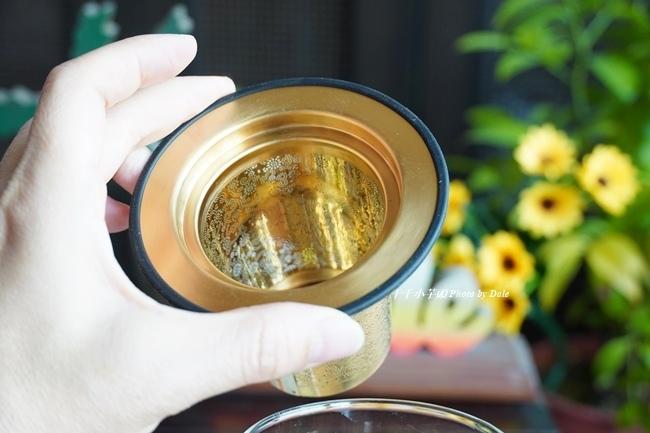 宜龍Eilong璀璨濾茶杯極美的精密濾孔7.JPG