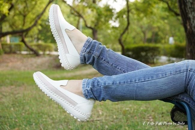 【Normlady 諾蕾蒂】質感真皮拼接草編壓紋皮革磁力厚底氣墊球囊休閒鞋-MIT手工鞋(甜美粉)1.JPG