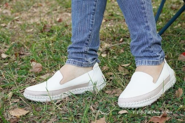 【Normlady 諾蕾蒂】質感真皮拼接草編壓紋皮革磁力厚底氣墊球囊休閒鞋-MIT手工鞋(甜美粉)12.JPG