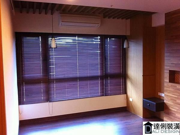 窗簾-木百葉窗