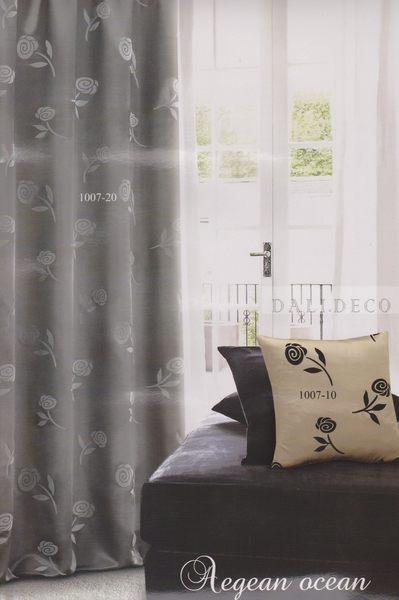 玫瑰花朵窗簾