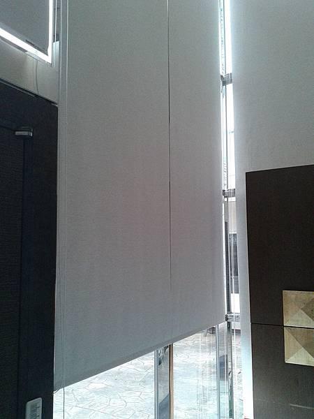 遮光捲簾-挑高型窗戶