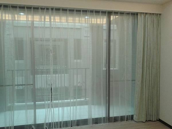 兒童休憩室-窗簾
