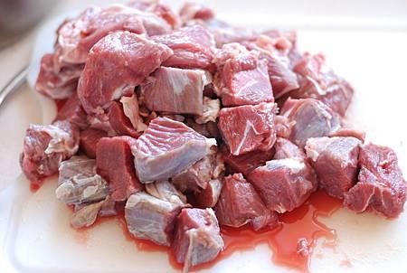 紅酒燉羊肉 Lammragout in Rotwein-Sauce