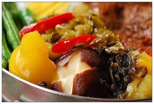 12炒酸菜和香菇