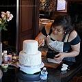疊雙層蛋糕