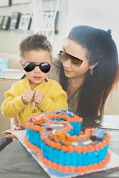 幸運俊小子的三歲汽車總動員蛋糕