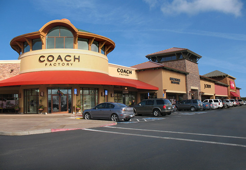 Coach Outlet.jpg
