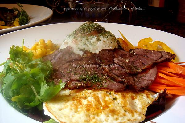 滷味拌飯 Roasted Beef Bibimba