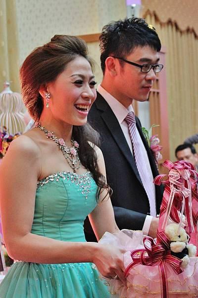 新娘子好漂亮