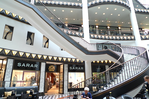 拉法葉百貨的旋轉梯