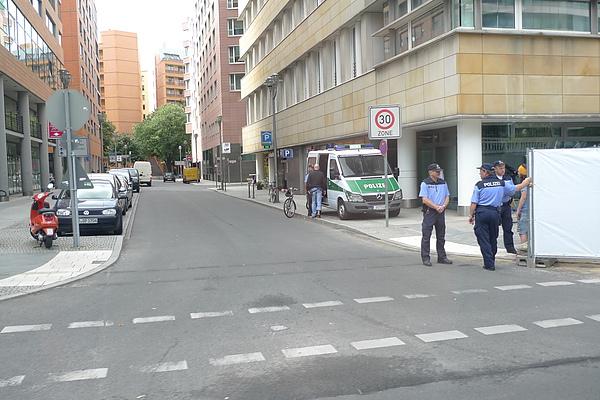 警察和警察車