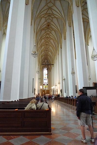 慕尼黑教堂內