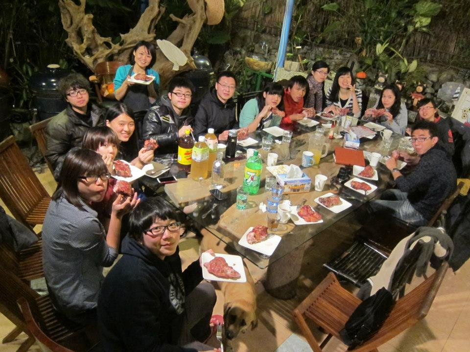 我似乎意外地參與了全台灣最壯觀的換工度假!癲峰數字是19人!外加4隻狗、6隻貓和2隻雞!