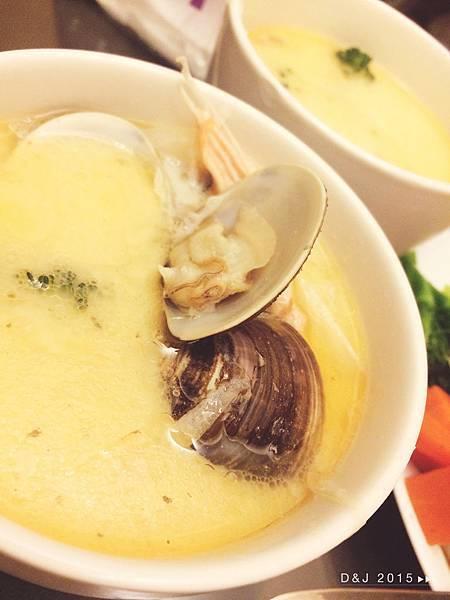 香濃奶油蛤蠣鮭魚濃湯