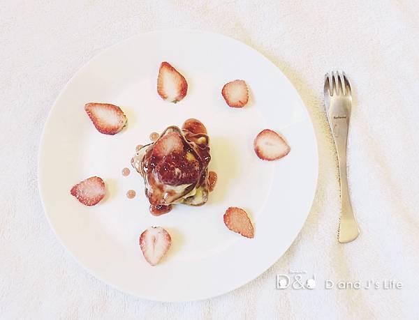 卡士達奶油草莓鬆餅