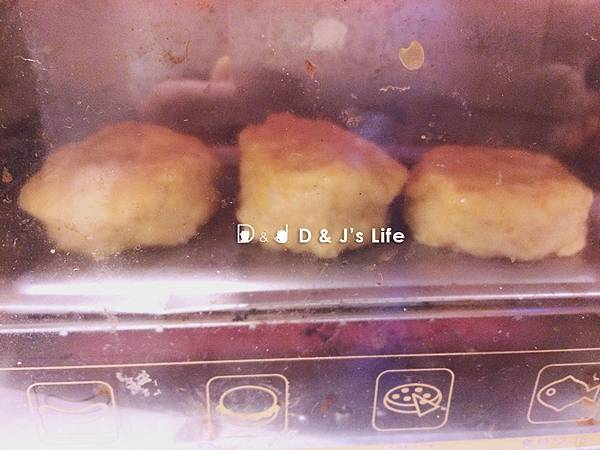 送入小烤箱先烤五分鐘