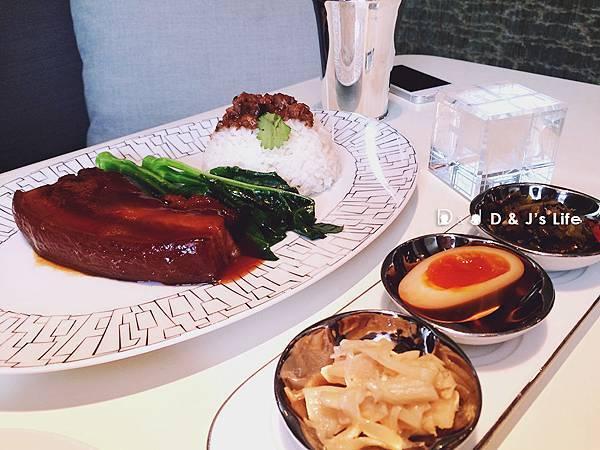 黑毛豬爌肉飯