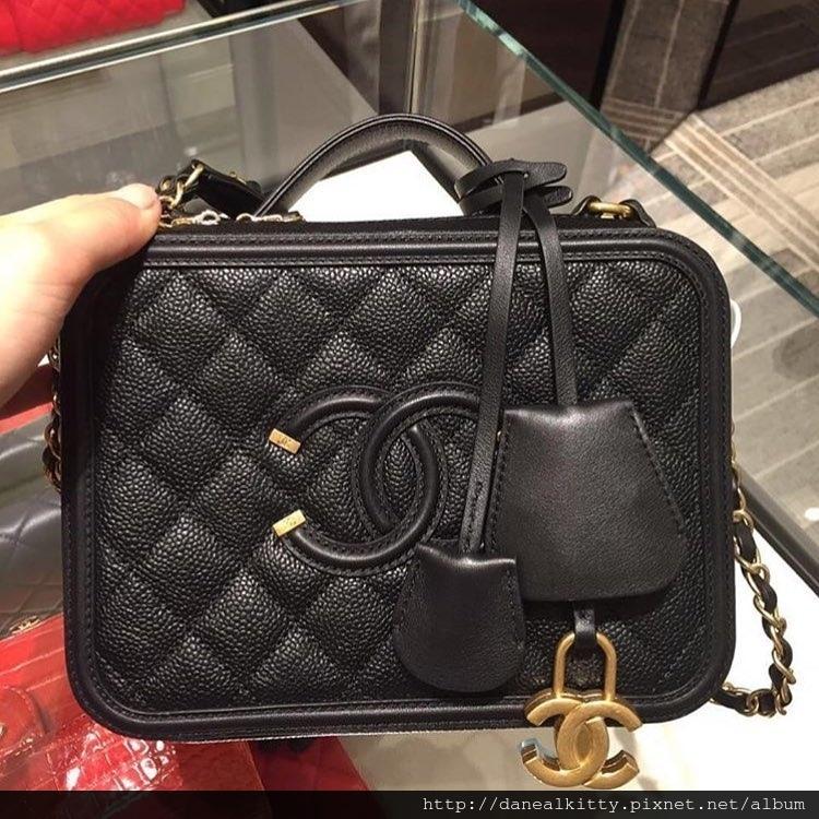 Chanel-CC-Filigree-Vanity-Case-Bag-black.jpg