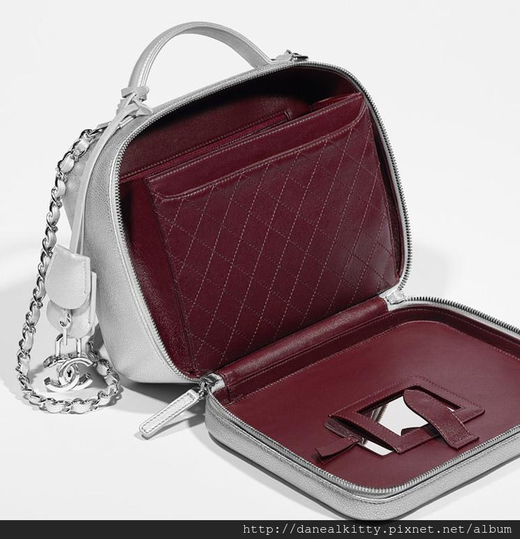 Chanel-Vanity-Cases-5.jpg