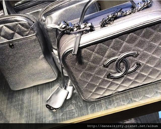 Chanel-Vanity-Cases-7.jpg