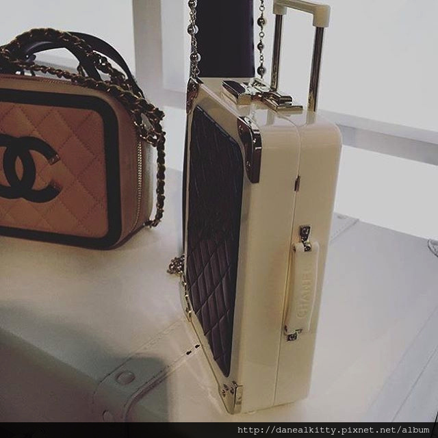 Chanel-Vanity-Cases-6.jpg