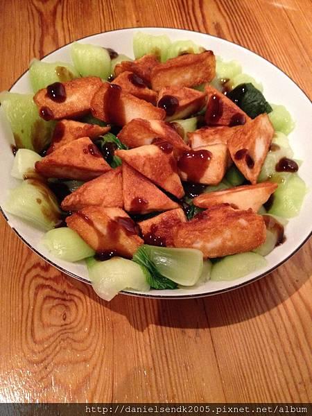 耗油魚板豆腐清江菜