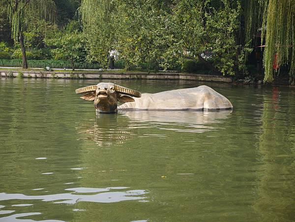 湧金廣場-金牛出水