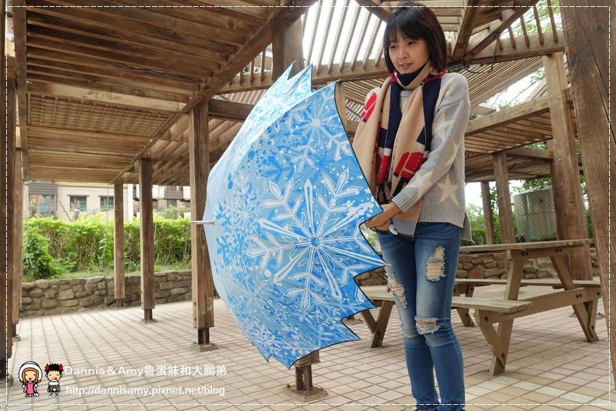 雨傘詩人之冰雪奇綠艾莎最愛的冰紛雪花楓葉傘 (1).jpg