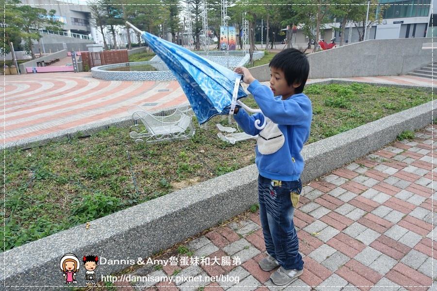 雨傘詩人之冰雪奇綠艾莎最愛的冰紛雪花楓葉傘 (21).jpg