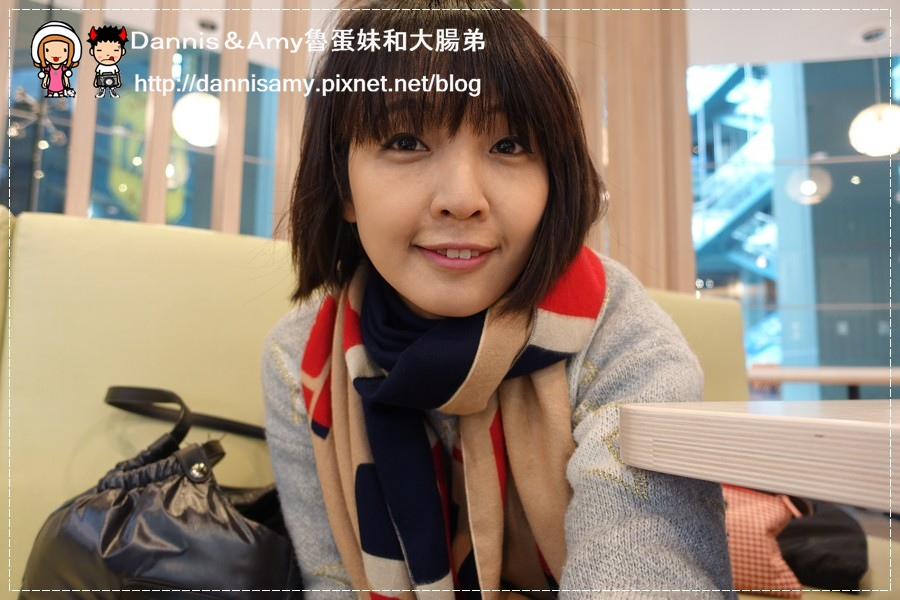 shein.com 秋冬暖上心頭小軍人印花雙色繽紛披(圍)巾 (1).jpg