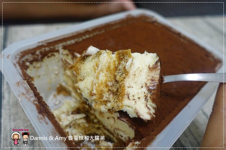 20160824《新竹甜點推薦》Safini TIRAMISU 莎費尼純義風提拉米蘇。原味。酒味。草苺。開心果。綜合莓果︱每日限量手工製作。可宅配可到店自取~附影片 (1).jpg