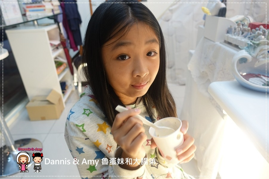 20160824《新竹甜点推荐》Safini TIRAMISU 莎费尼纯义风提拉米苏。原味。酒味。草苺。开心果。综合莓果︱每日限量手工製作。可宅配可到店自取~附影片 (10).jpg