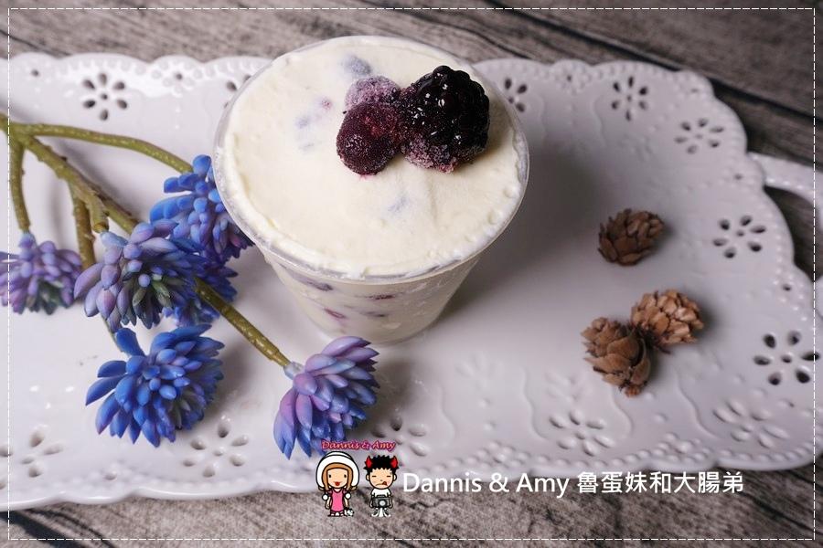 20160824《新竹甜點推薦》Safini TIRAMISU 莎費尼純義風提拉米蘇。原味。酒味。草苺。開心果。綜合莓果︱每日限量手工製作。可宅配可到店自取~附影片 (26).jpg