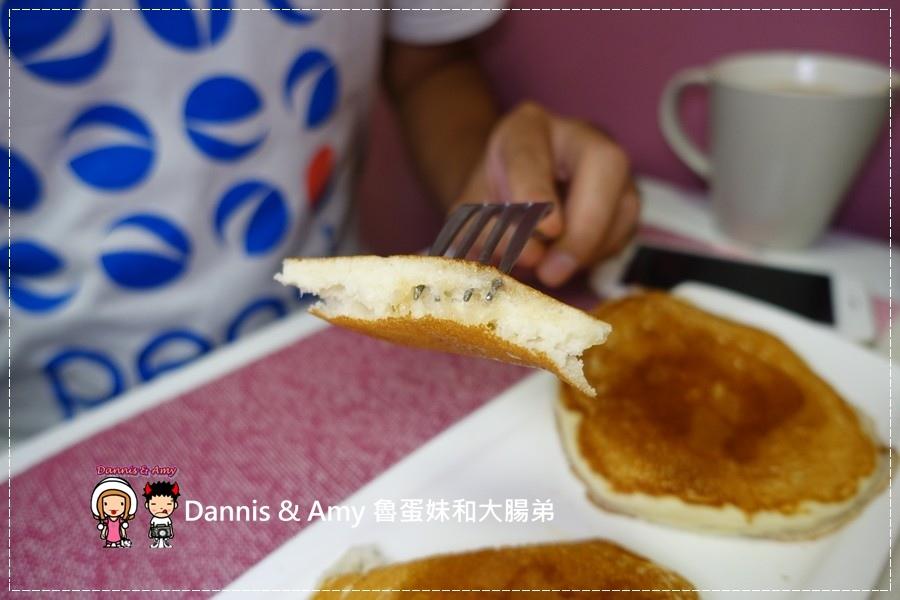 20160826《台中早餐分享》蘇菲亞的早晨 建康的美式早午餐。美式熱起司三明治。起士煎餅。輕食三明治︱ 台中金典酒店旁 ~吃吃吃影片 (35).jpg