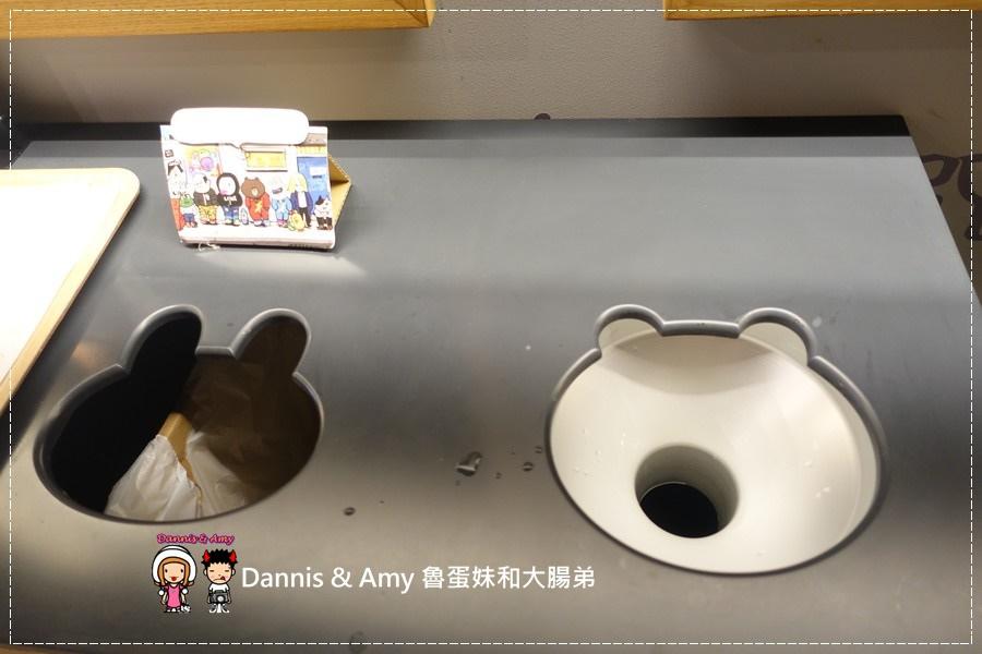 20160908《福岡天神景點》LINE FRIENDS CAFE & STORE 福岡天神店 超級好拍照的景點之一 ︱ (35).jpg