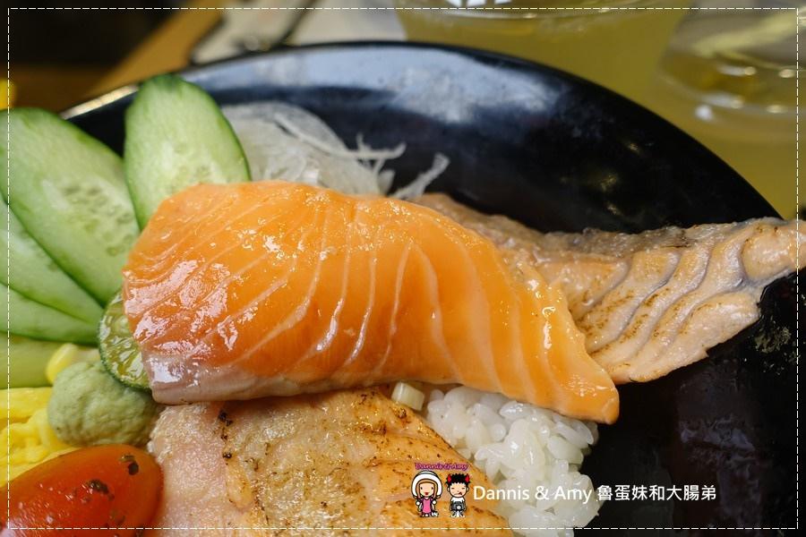 20161003《巨城美食街餐廳》Supreme Salmon美威鮭魚-新竹巨城店-全台灣第一家鮭魚料理專賣店。燉飯、義大利麵。丼飯。握壽司 ︱挪威直送現點現做有新鮮!!(附影片) (28).jpg