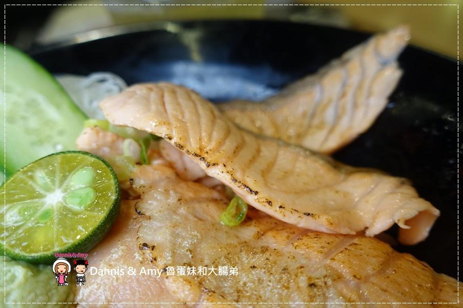 20161003《巨城美食街餐廳》Supreme Salmon美威鮭魚-新竹巨城店-全台灣第一家鮭魚料理專賣店。燉飯、義大利麵。丼飯。握壽司 ︱挪威直送現點現做有新鮮!!(附影片) (29).jpg