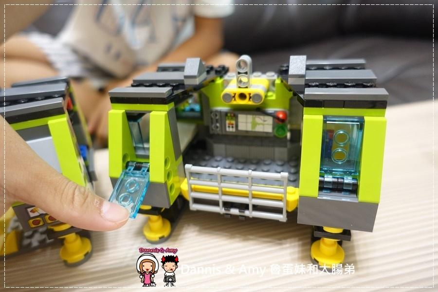 20161020《益智玩具開箱》︱誰能抵擋LEGO樂高積木的神奇魔力x60125 Volcano Heavy火山探險重型載運直升機 ︱玩具反斗城獨家販售!! (影片) (5).jpg