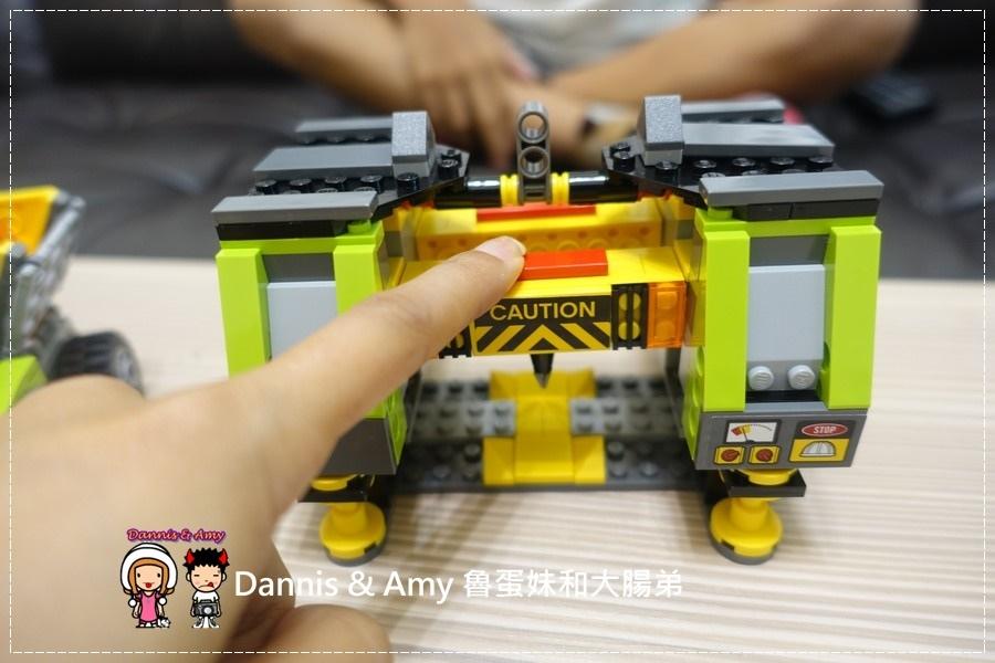 20161020《益智玩具開箱》︱誰能抵擋LEGO樂高積木的神奇魔力x60125 Volcano Heavy火山探險重型載運直升機 ︱玩具反斗城獨家販售!! (影片) (6).jpg