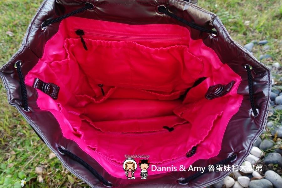 20161215《媽媽包使用心得 》時尚、收納空間多、超輕巧的Manfu滿福寶媽媽包︱一咖不是只有媽媽可以背的包!(開箱推薦影片) (35).jpg