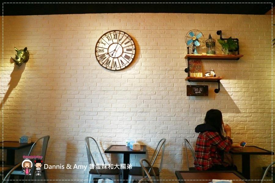 20170508《新竹新莊火車站吃什麼?》吐司工寓Tosicon-新竹關東店。OPPA韓式煎土司。早餐。早午餐。下午茶|菜單。價位。內用外帶外送(影片) (45).jpg