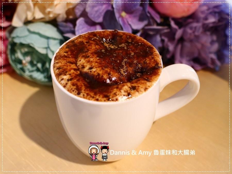 20170621《新竹平價外帶咖啡店》聚咖啡Together Coffee 。咖啡飲料。雙倍濃縮夏威夷拿鐵。菲卡夏三明治~|新竹巨城附近可內用~價格。營業時間分享(影片) (12).jpg
