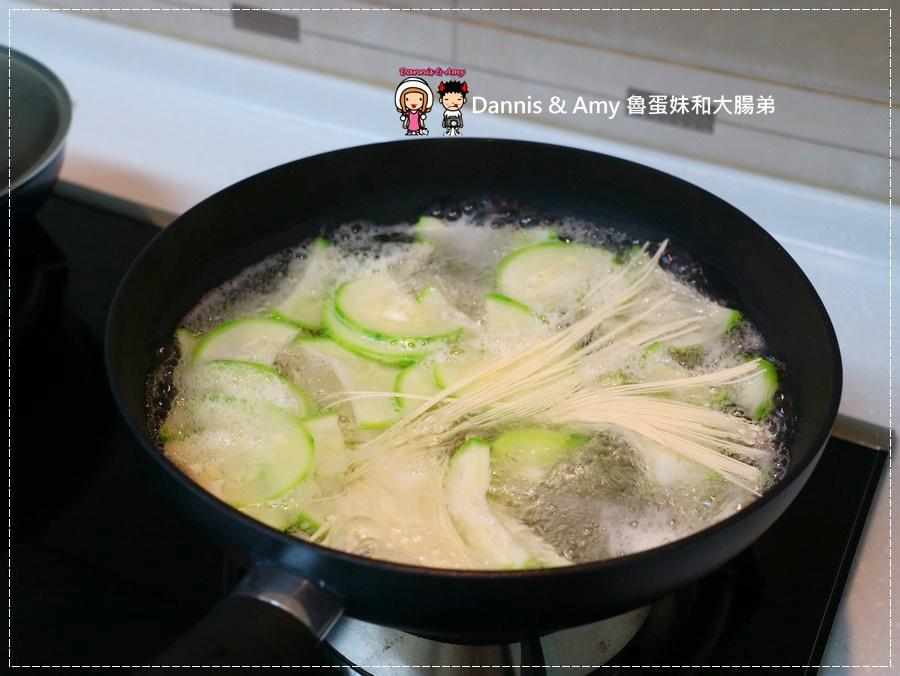 20170714《居家鍋具分享》Tefal法國特福。耐磨易清洗不沾平底鍋。不沾小炒鍋。佳溫紅心設計讓你在最佳狀態下煮出好料理︱開箱食譜影片 (27).jpg