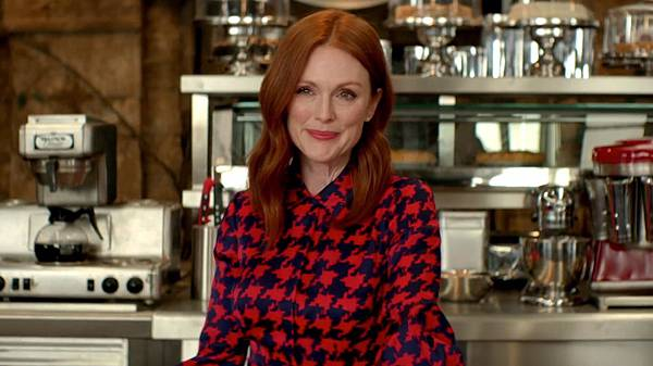 kingsman-the-golden-circle-fear-the-golden-circle-julianne-moore-spot-spicypulp