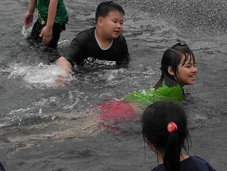 2012/4/28林先生闔家歡樂戲水遊玩