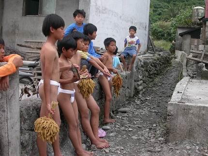 祭典時男生要穿著丁字庫