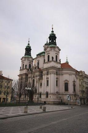 舊城廣場上的聖尼古拉教堂(巴洛克式)