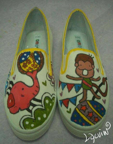 馬戲團樂園彩繪鞋.jpg