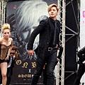 20131020 羅志祥《獅子吼》女舞者豹紋馬甲